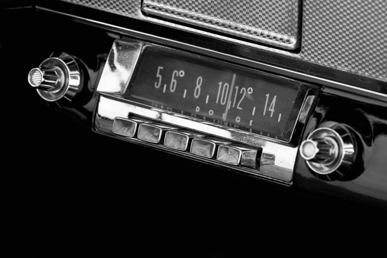 'Cars will have radios in 2015'